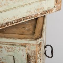 7-7739-Three part_cupboard-9