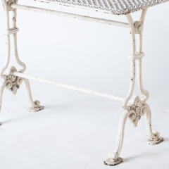 7-7780-Table_cast iron_Gothic-1