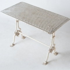 7-7780-Table_cast iron_Gothic-6