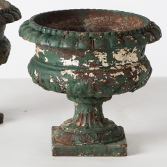 7-7791-Urns_Iron_small-1