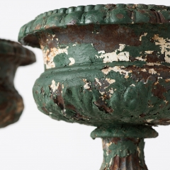 7-7791-Urns_Iron_small-4