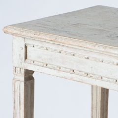 7-7876_table_small_two-tier_gustavian-3
