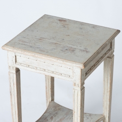 7-7876_table_small_two-tier_gustavian-2