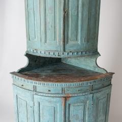 7-7903-Corner cupboard_blue-4