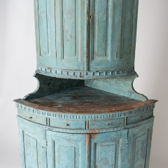 7-7903-Corner cupboard_blue-4