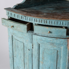 7-7903-Corner cupboard_blue-5