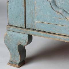 7-7904-Cupboard_Rococo_blue-7