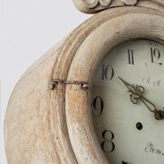 7-7908-Clock_Rococo_shell_crown-7