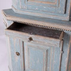 7-7961-Cupboard_Gustavian_corner_blue-10