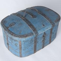 7-7969-Travel-Box-metal-straps-1