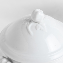 D-1655_tureen_covered_pepperfinial-2