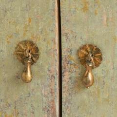 7-7742-cabinet_rococo_2–door-5