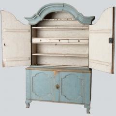 7-7904-Cupboard_Rococo_blue-2