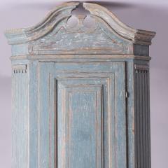 7-7961-Cupboard_Gustavian_corner_blue-2