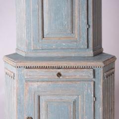 7-7961-Cupboard_Gustavian_corner_blue-4
