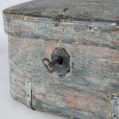 7-7970-Swedish–travel_box–W–key-1