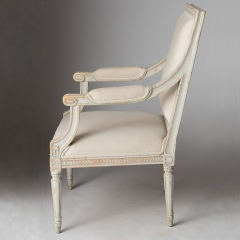 7-7992-Chairs_armStockholmn-7-of-9