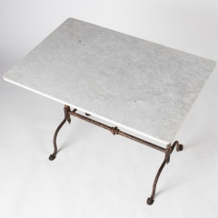 7-7998-MT-table_French–pad-feet-5