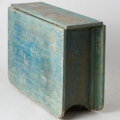 7-8074_blue_table_APS_0157