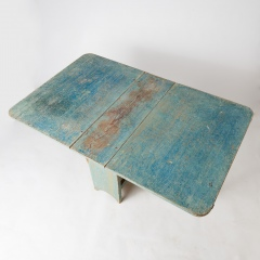 7-8074_blue_table_APS_0172
