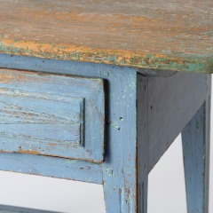 7-8113-A-Swedish-Scrub-Top-Table-with-Blue-Paint-13