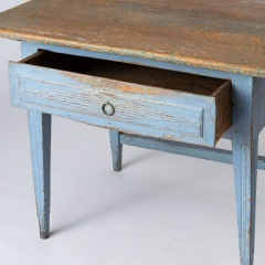 7-8113-A-Swedish-Scrub-Top-Table-with-Blue-Paint-16