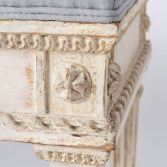 7-8119-Gustavian-Style-Bench-With-Contrasting-Grey-Fabric-5