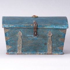 7-8158-Swedish-Travel-box-with-domed-lid-and-blue-paint-C-1820-10
