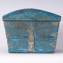 7-8158-Swedish-Travel-box-with-domed-lid-and-blue-paint-C-1820-11