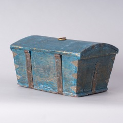 7-8158-Swedish-Travel-box-with-domed-lid-and-blue-paint-C-1820-12