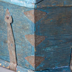 7-8158-Swedish-Travel-box-with-domed-lid-and-blue-paint-C-1820-13