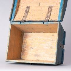 7-8158-Swedish-Travel-box-with-domed-lid-and-blue-paint-C-1820-18