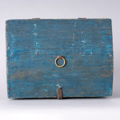 7-8158-Swedish-Travel-box-with-domed-lid-and-blue-paint-C-1820-21
