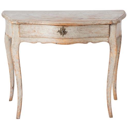 Curvy rococo table